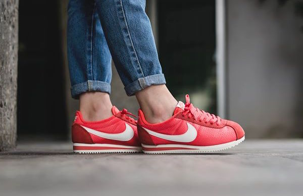 nike-classic-cortez-textile-ember-glow-2