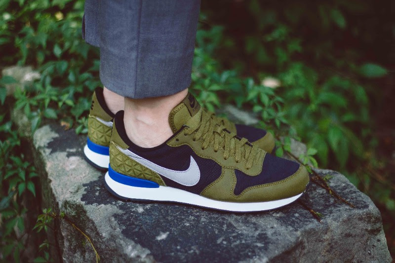 nike-internationalist-premium-olive-flak-1