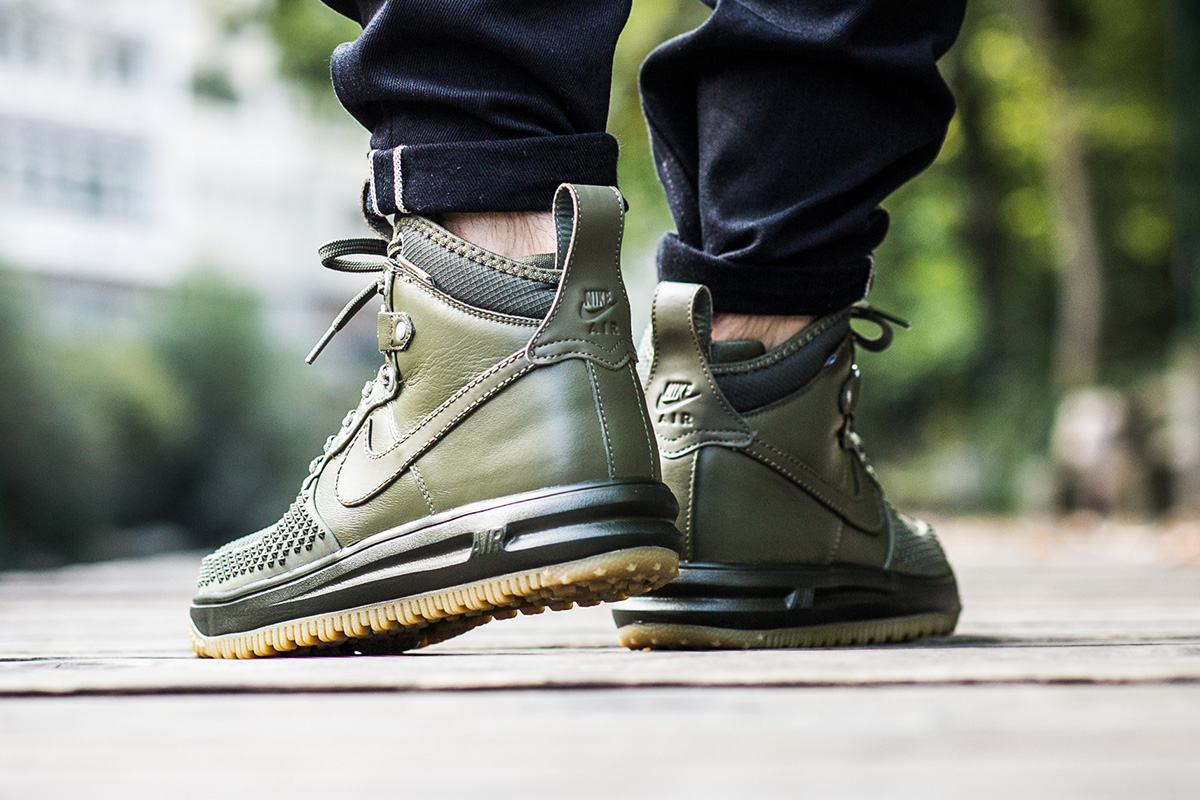 nike-lunar-force-1-duckboot-medium-olive-3