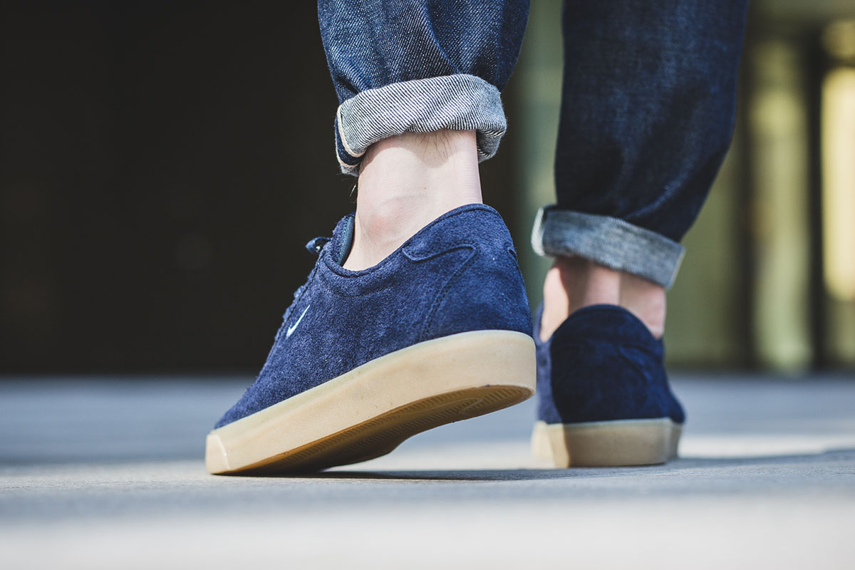 nike-match-classic-suede-obsidian-3