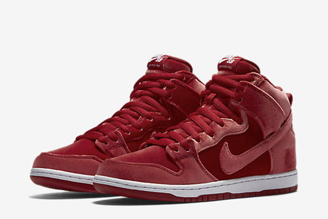 nike-sb-dunk-high-santa-claus-2