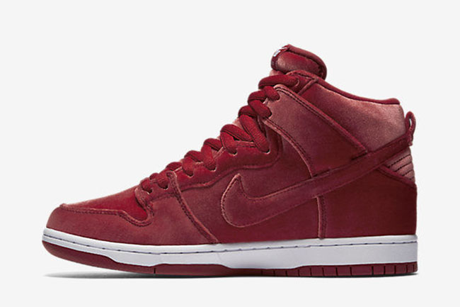 nike-sb-dunk-high-santa-claus-3