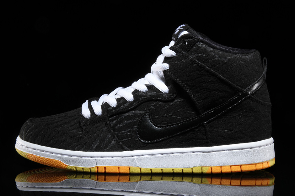 nike-sb-dunk-high-skunk-1