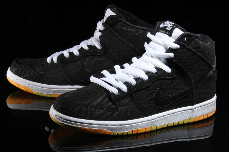 nike-sb-dunk-high-skunk-2