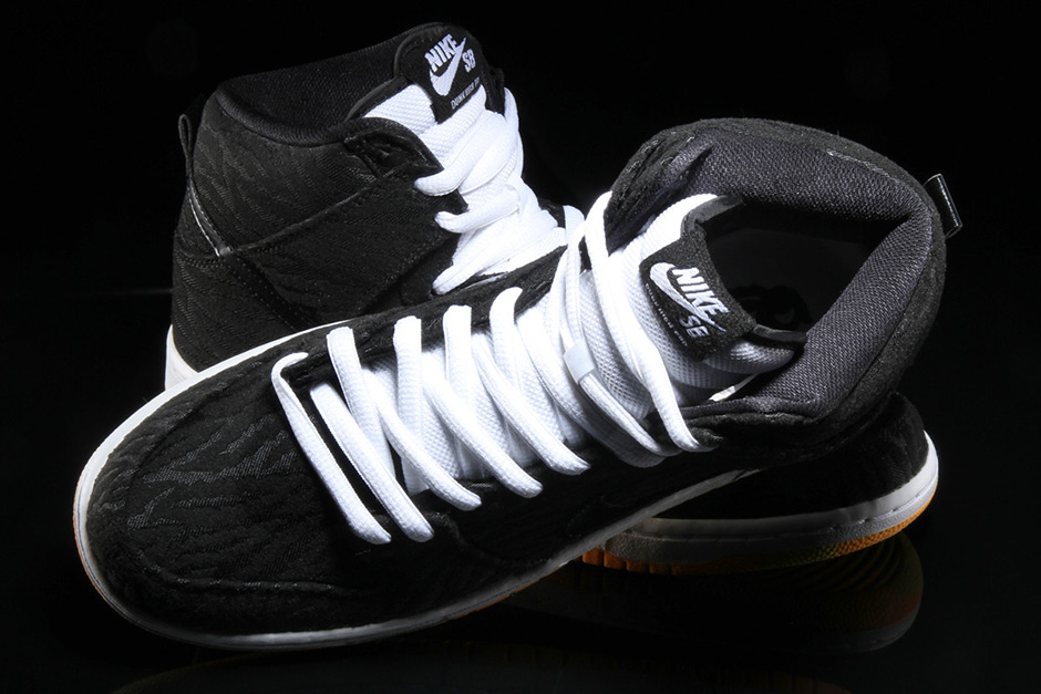 nike-sb-dunk-high-skunk-4