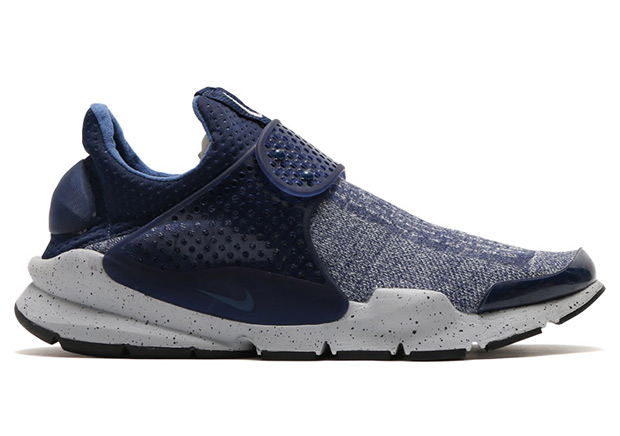 nike-sock-dart-se-premium-midnight-navy-1