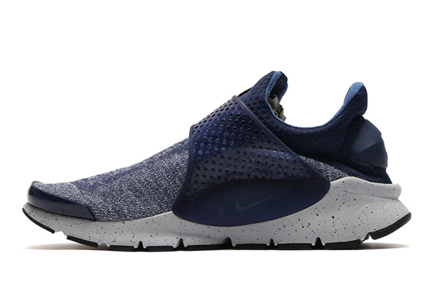 nike-sock-dart-se-premium-midnight-navy-2