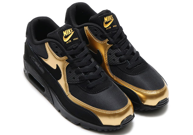 nike-sportswear-black-and-gold-pack-7