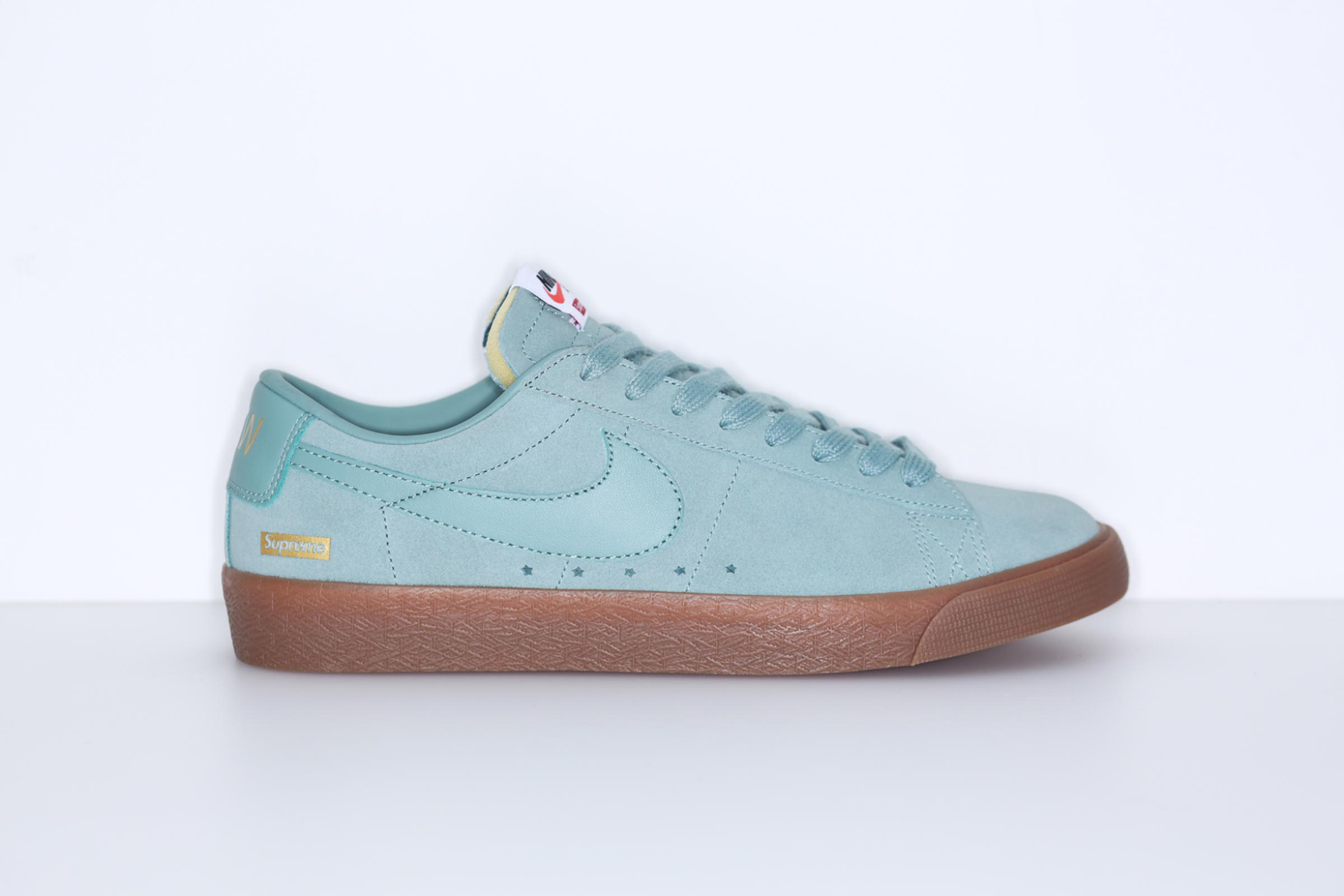 supreme-nike-sb-blazer-low-pack-4