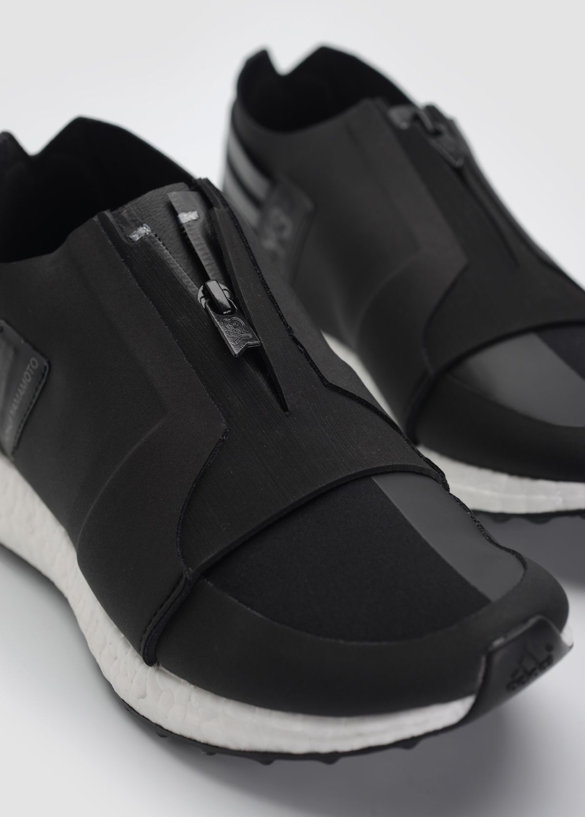y3-xray-zip-low-boost-core-black-3