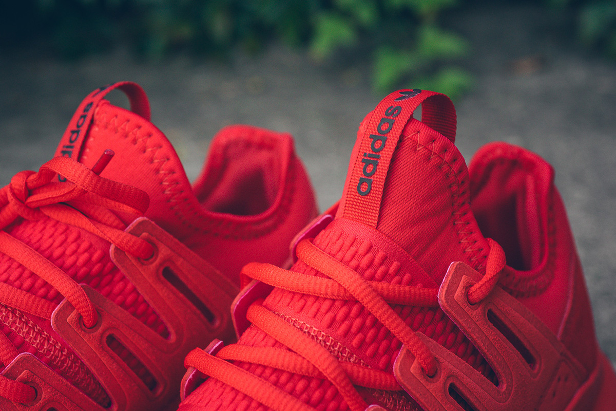 adidas-tubular-radial-triple-red-4