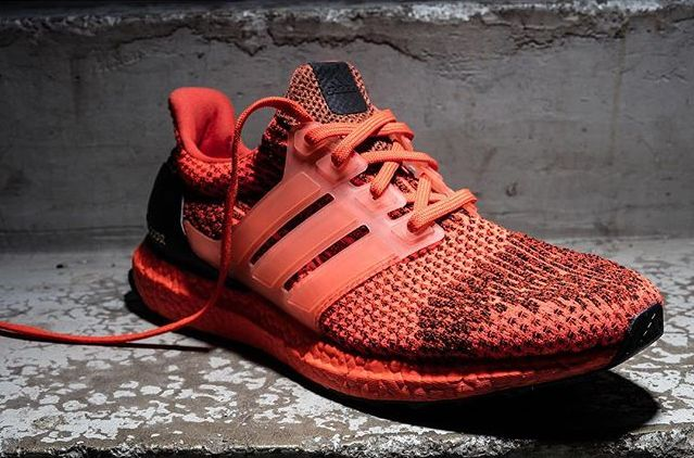 adidas-ultra-boost-black-red_02