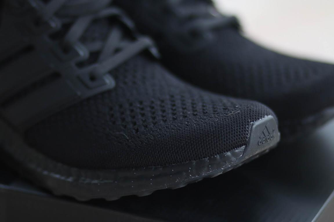 adidas-ultra-boost-triple-black_03
