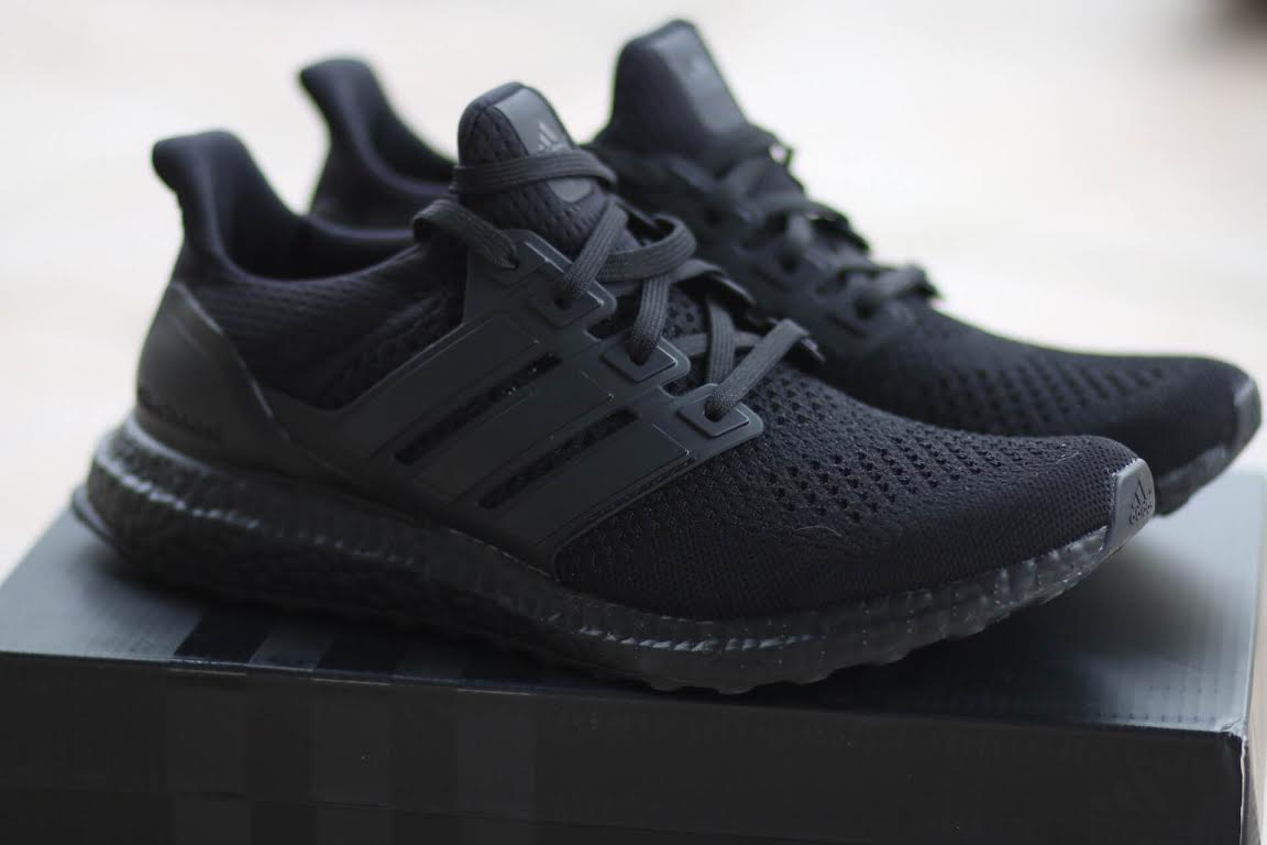 adidas-ultra-boost-triple-black_04
