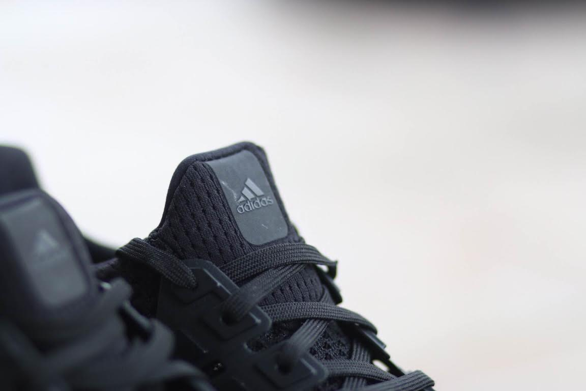 adidas-ultra-boost-triple-black_05