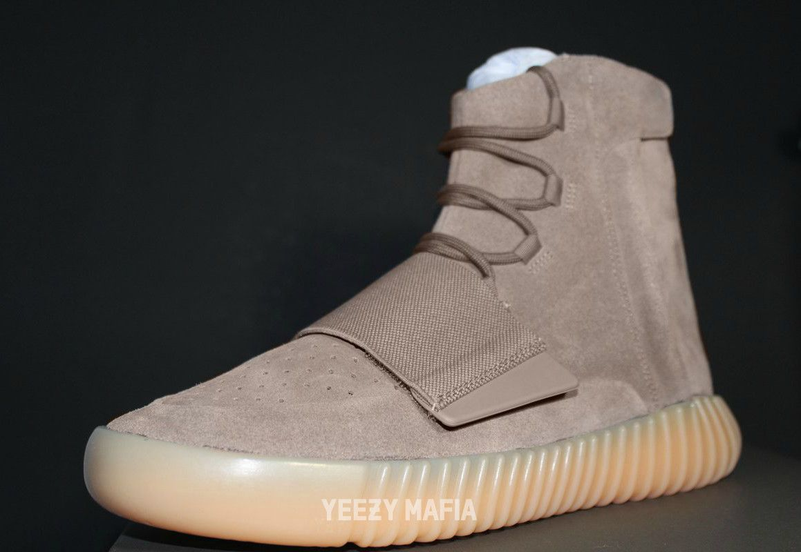 adidas-yeezy-boost-750-chocolate-glow-in-the-dark-2