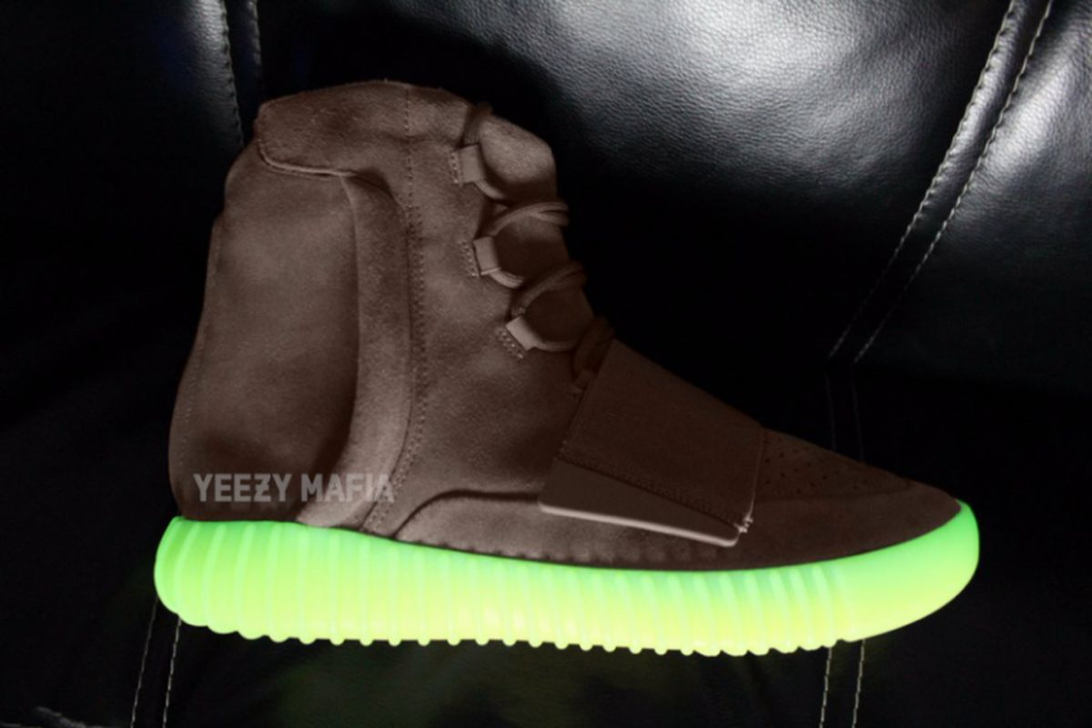 adidas-yeezy-boost-750-chocolate-glow-in-the-dark-768x512