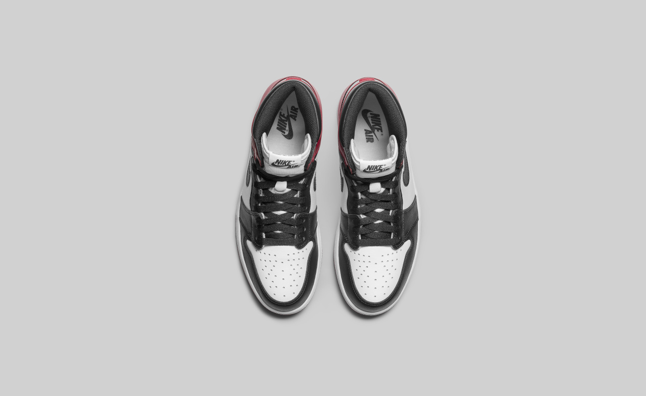 air-jordan-1-high-black-toe_04