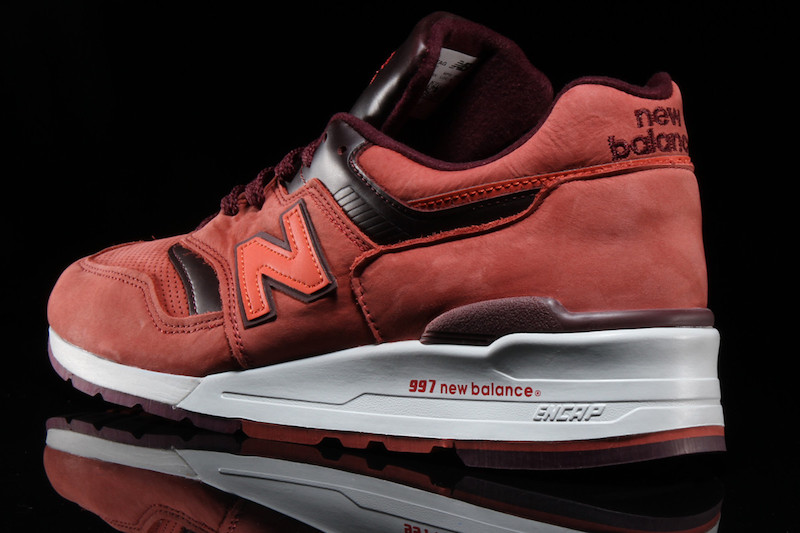 new-balance-997-clay-red-2