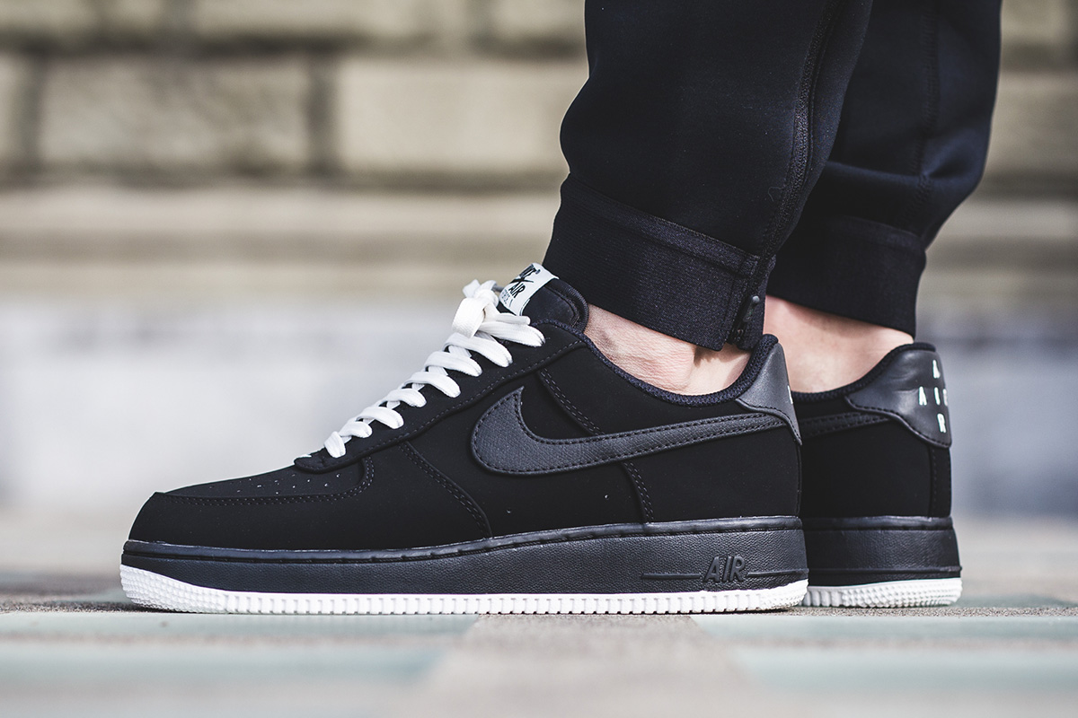 nike-air-force-1-low-black-white-1
