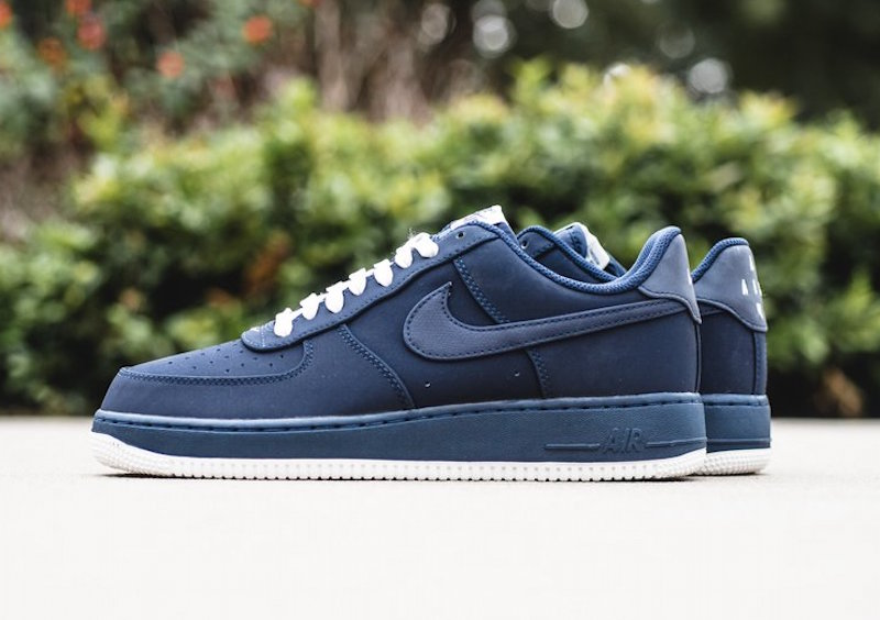 nike-air-force-1-low-obsidian-1