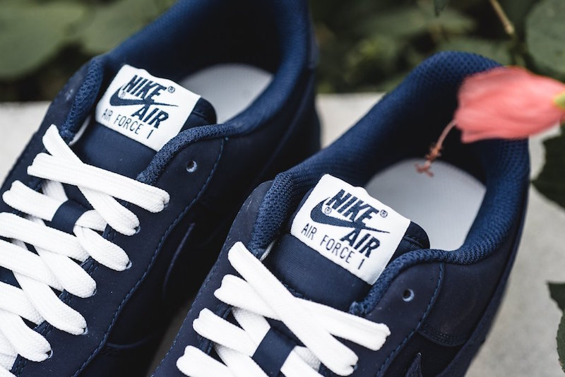 nike-air-force-1-low-obsidian-2