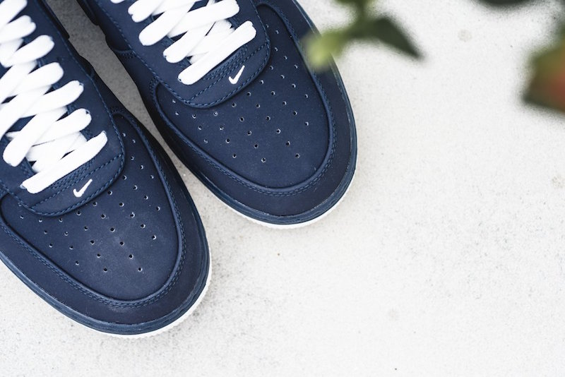 nike-air-force-1-low-obsidian-3