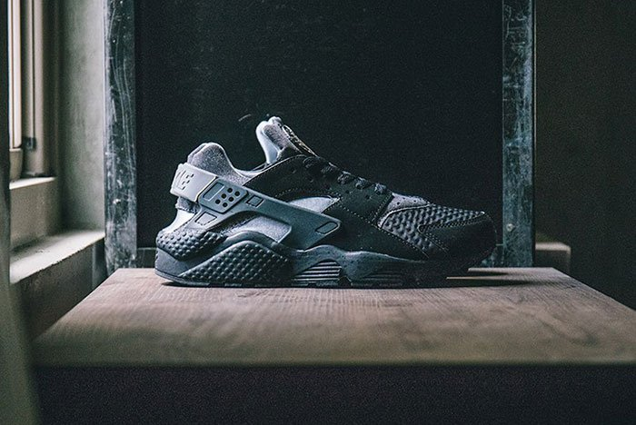 nike-air-huarache-se-black-grey-1