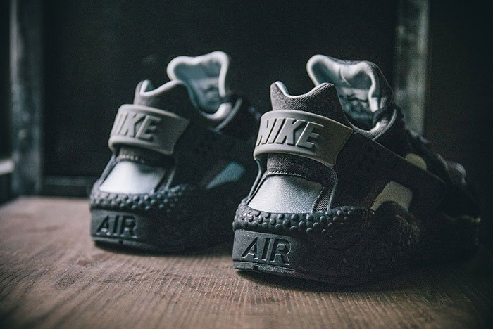 nike-air-huarache-se-black-grey-5