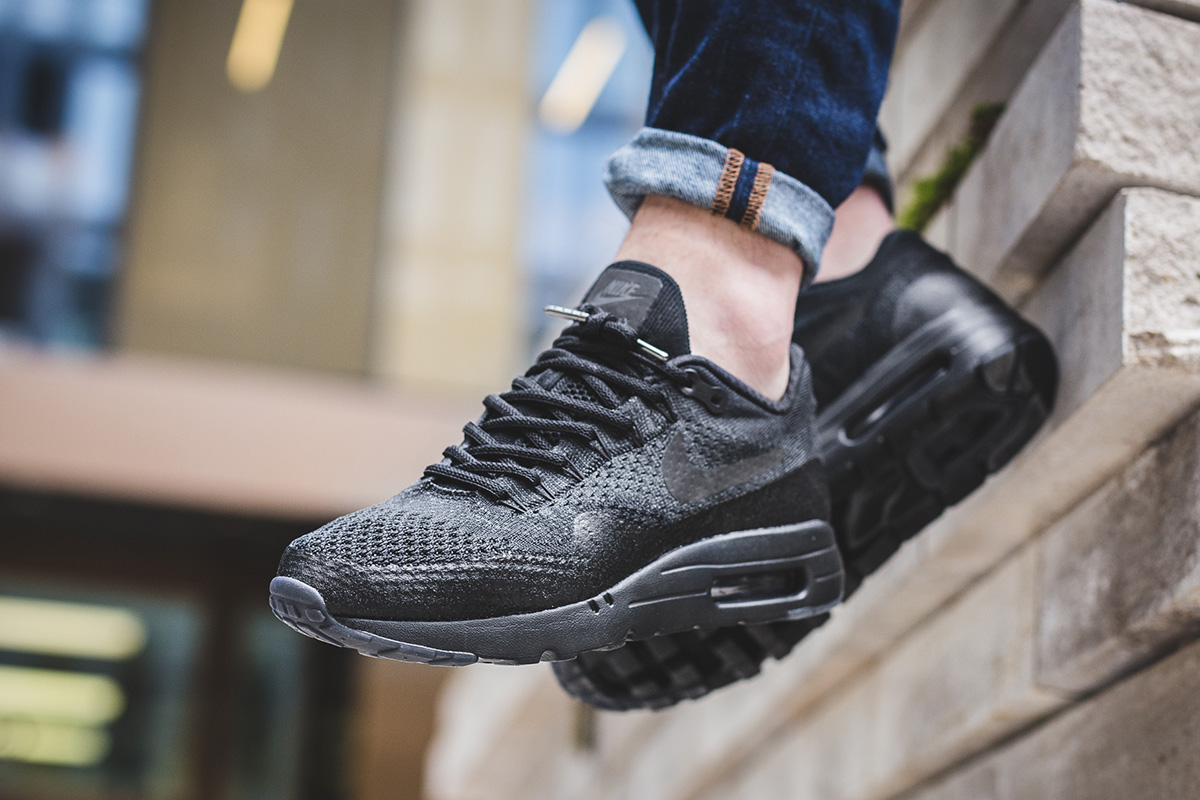 nike-air-max-1-ultra-flyknit-black-anthracite-1