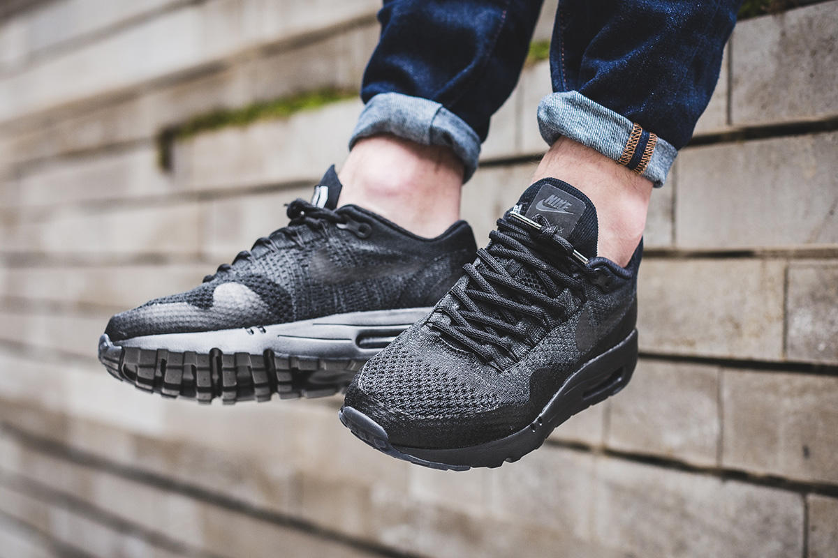 nike-air-max-1-ultra-flyknit-black-anthracite-2