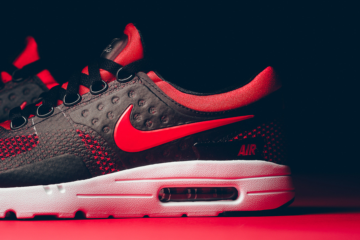 9285123dc74a nike-air-max-zero-essential-university-red-3