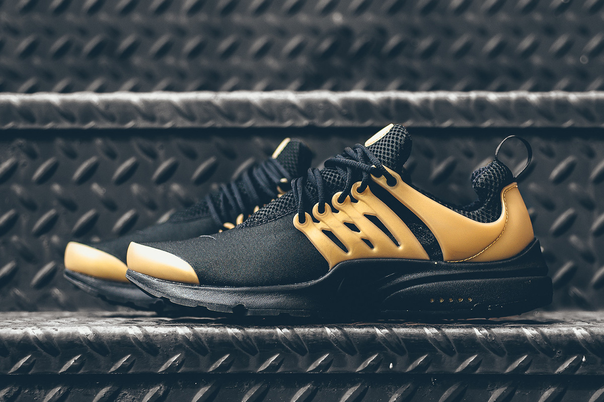 nike-air-presto-essential-black-gold-1