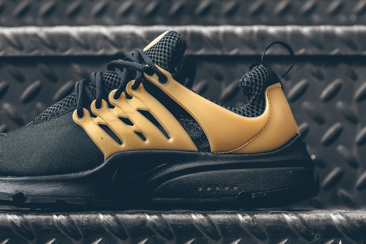 nike-air-presto-essential-black-gold-3