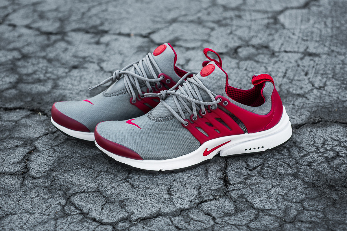 nike-air-presto-essential-cool-grey-gym-red-1