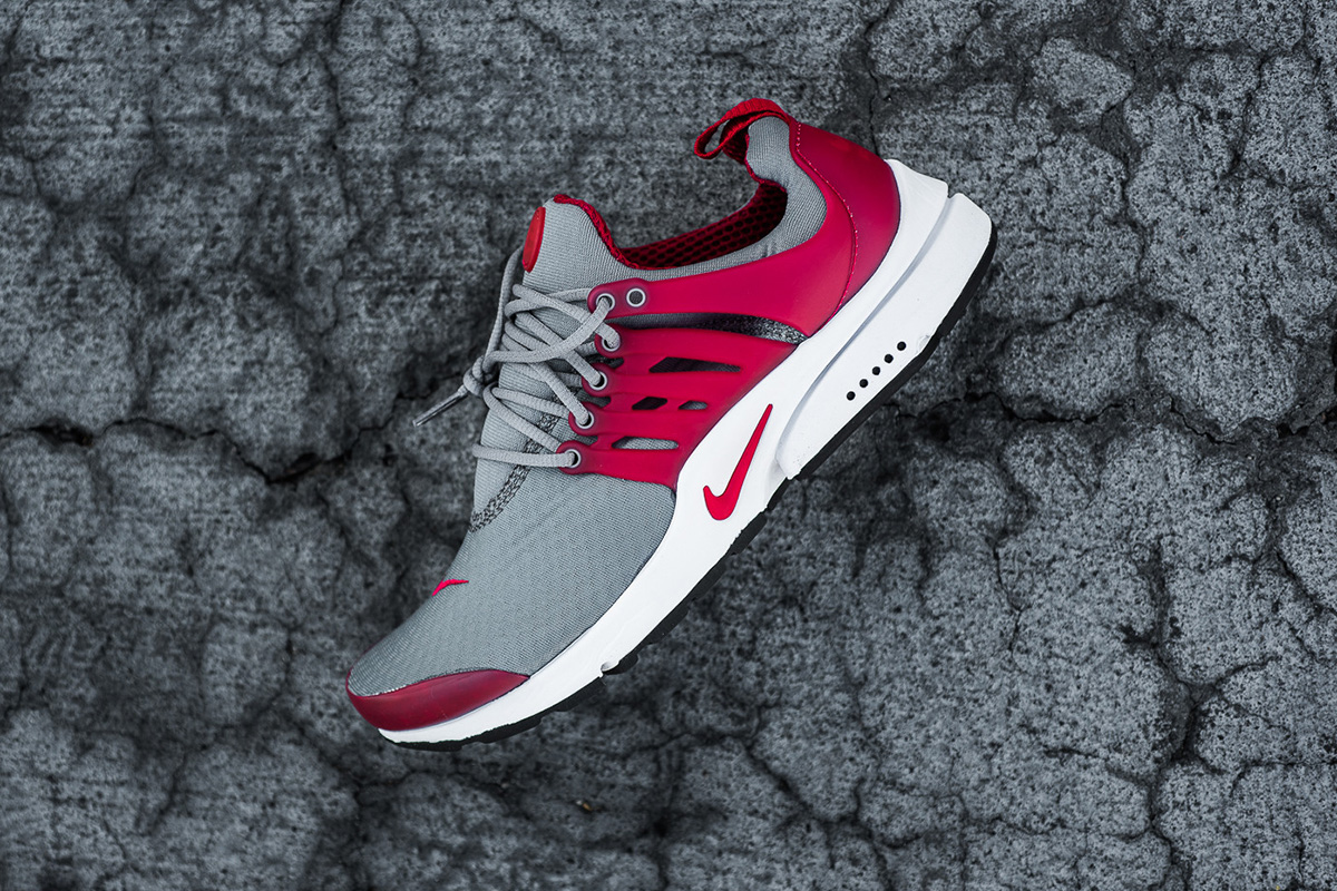 nike-air-presto-essential-cool-grey-gym-red-2