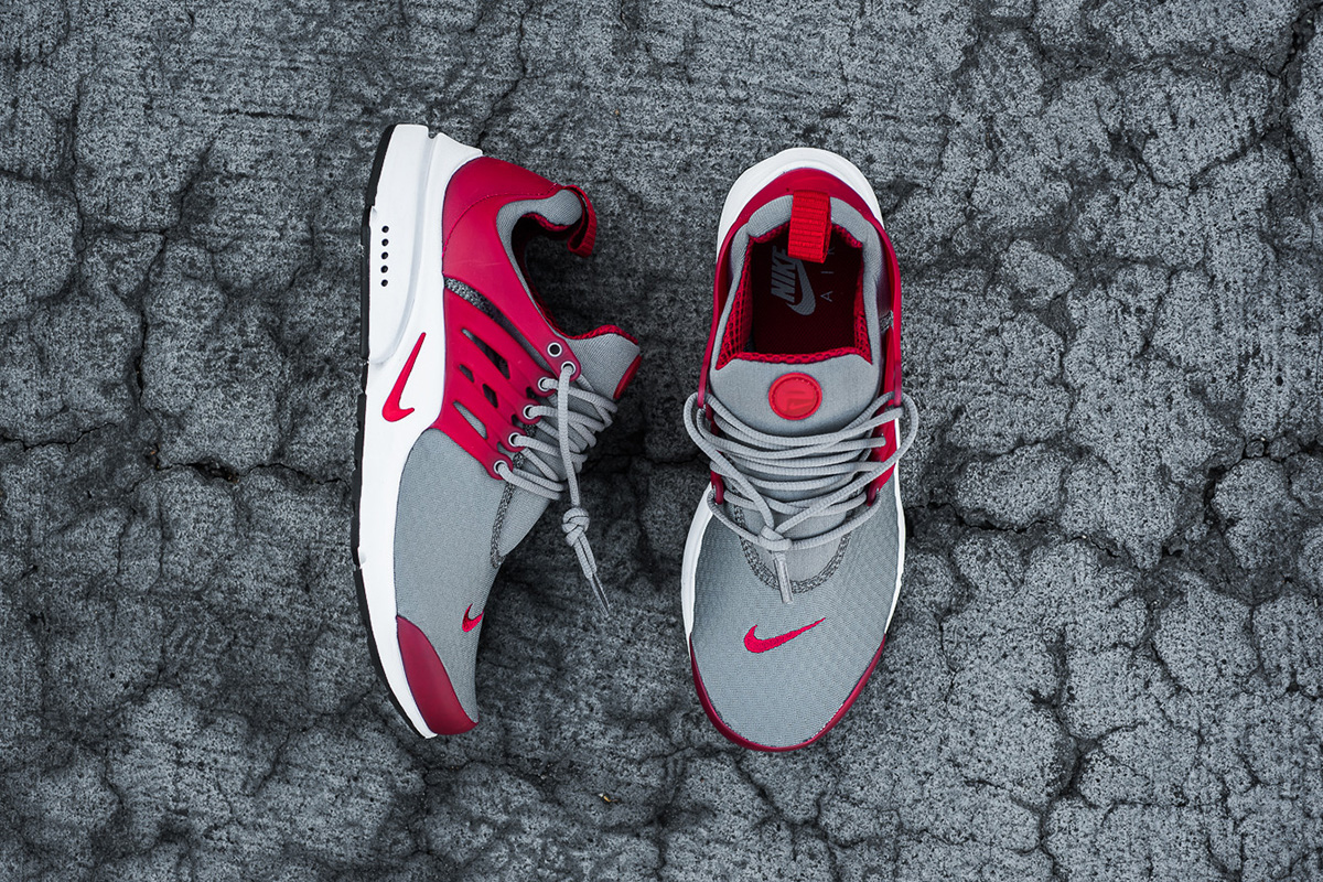 nike-air-presto-essential-cool-grey-gym-red-3