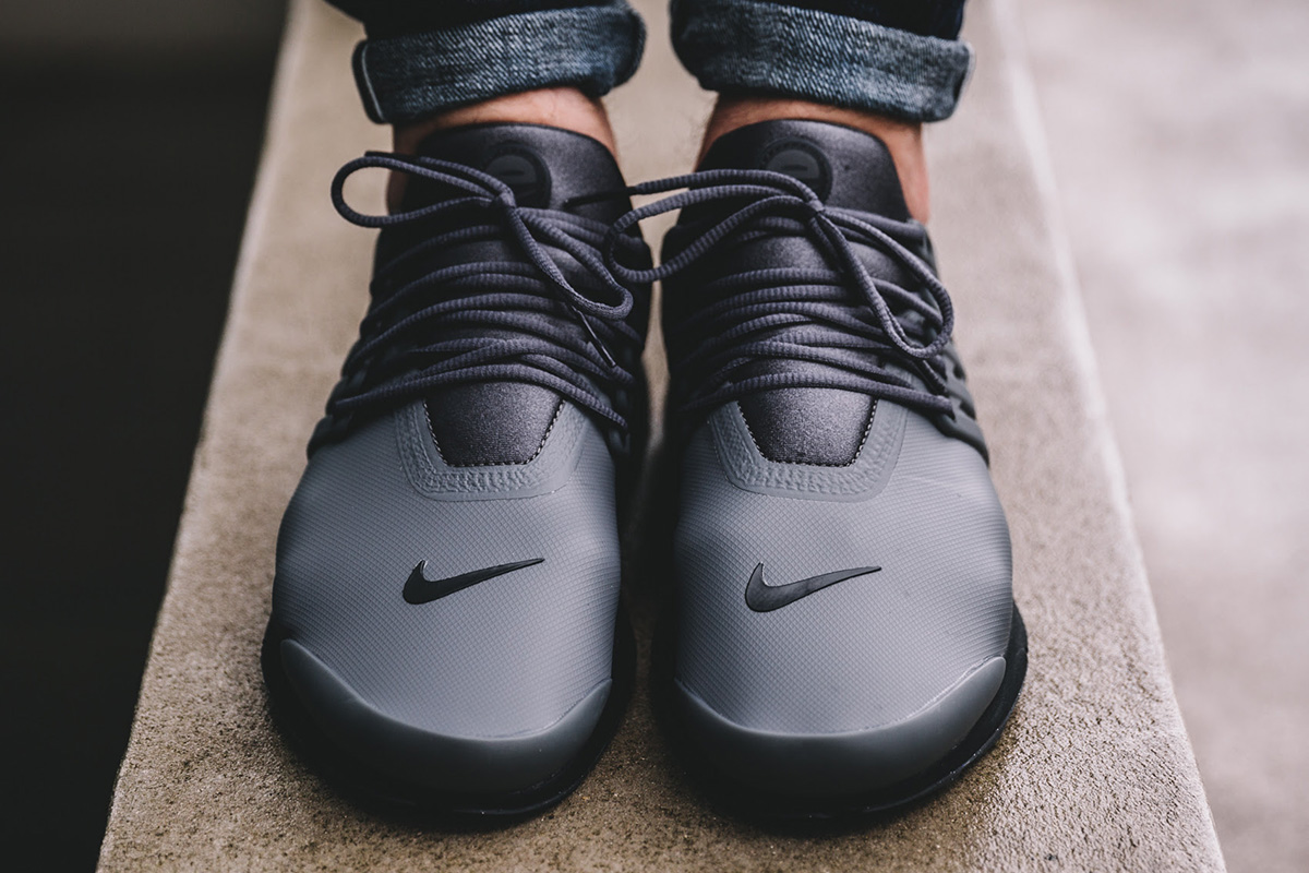 nike-air-presto-utility-dark-grey-anthracite-2