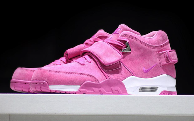 nike-air-trainer-cruz-think-pink