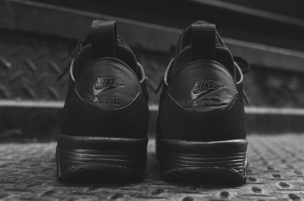 nike-air-trainer-huarache-low-triple-black-4