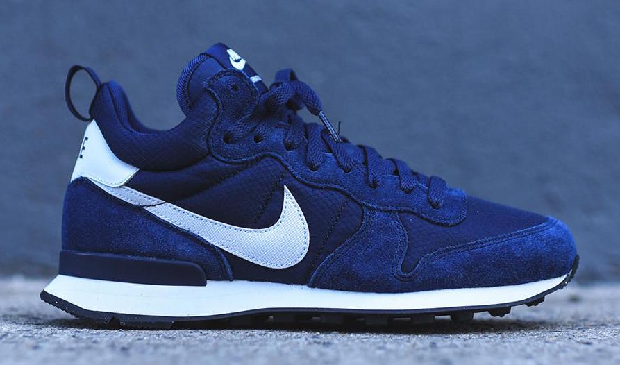 nike-internationalist-mid-navy-1