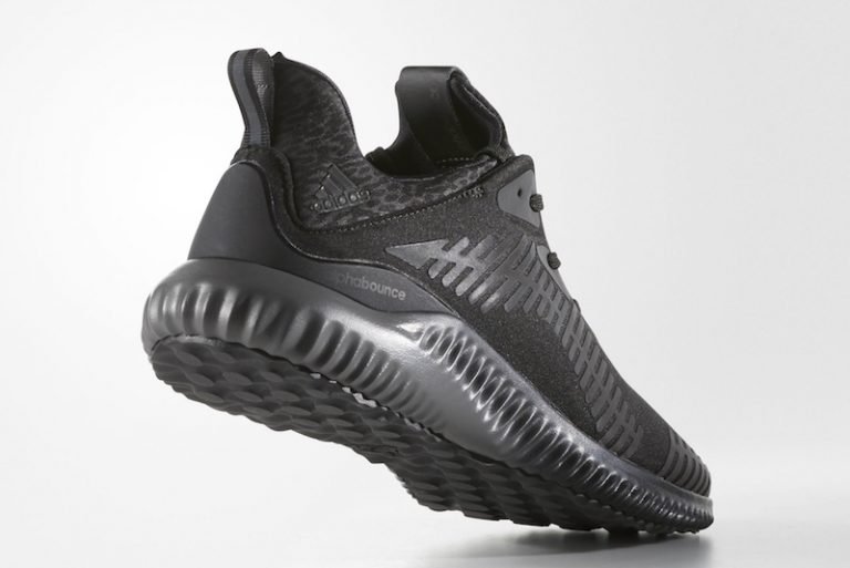 adidas-alphabounce-xeno-triple-black-friday-4-768x513