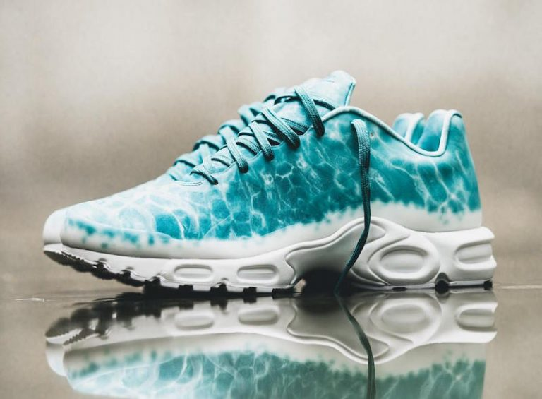 nike-air-max-plus-swimming-pool-5-768x565