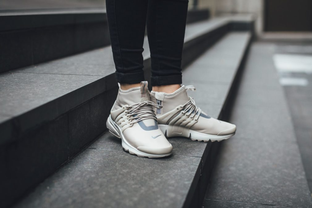 nike-air-presto-mid-light-bone