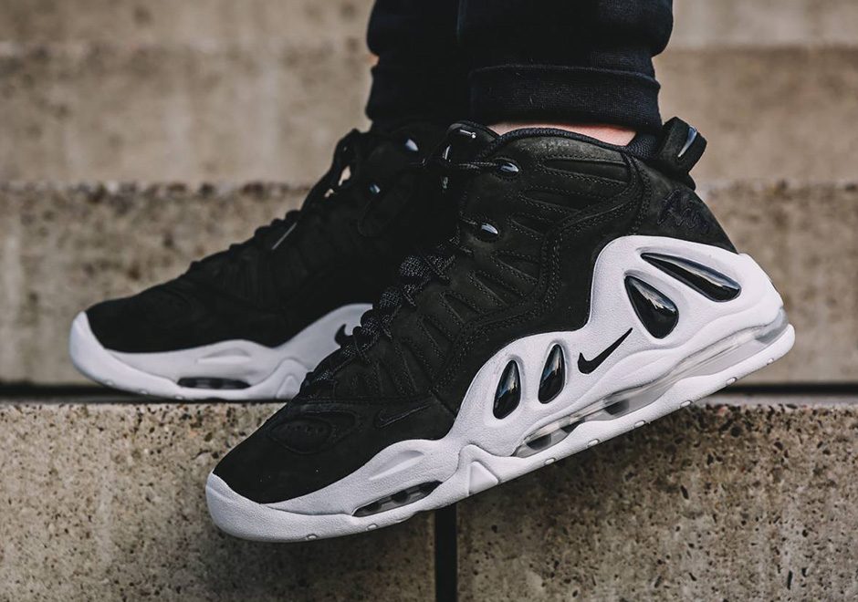 nike-air-uptempo-97-black-white-1