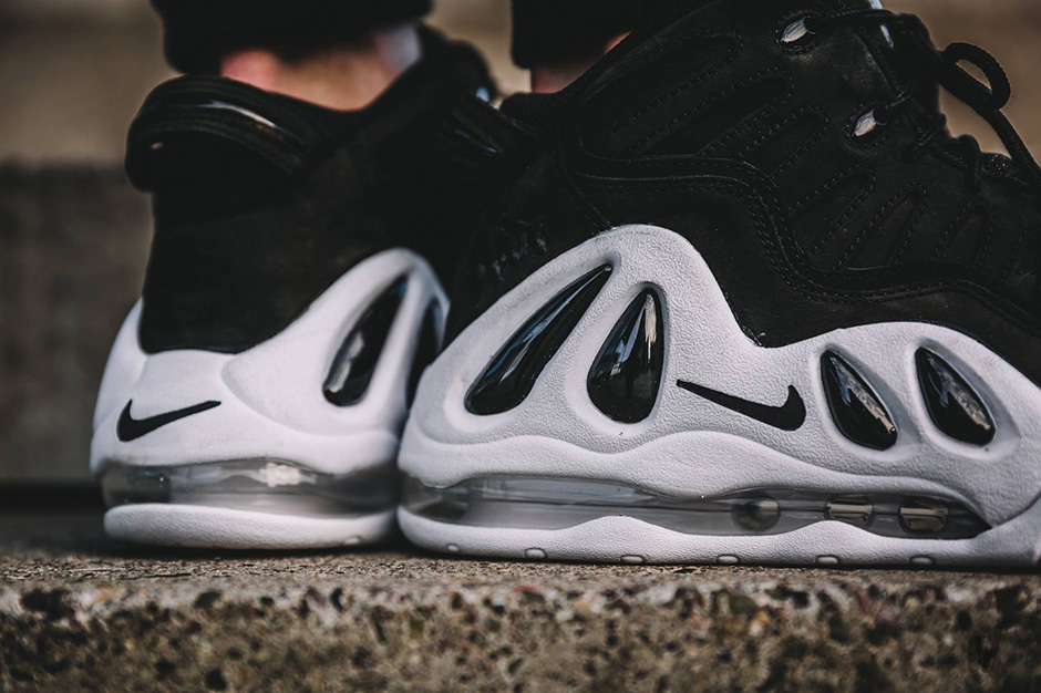 nike-air-uptempo-97-black-white-2