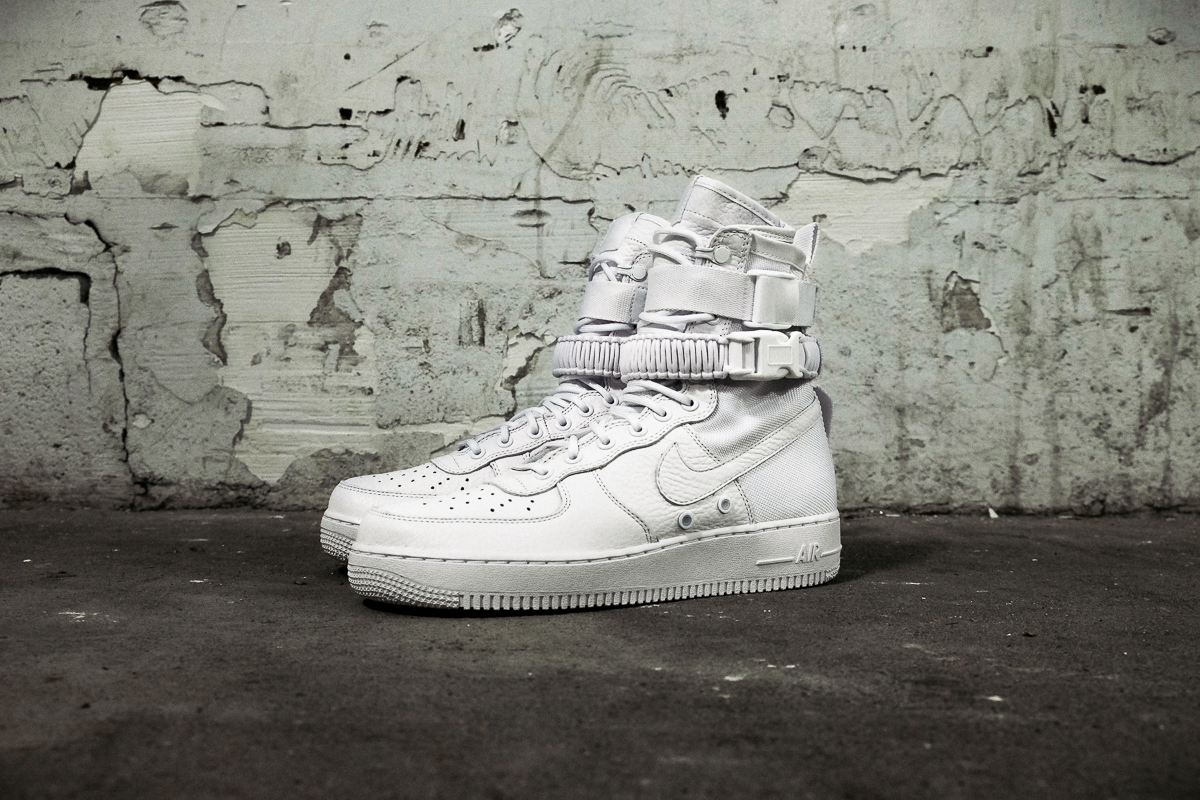 nike-sfaf-air-force-1-white