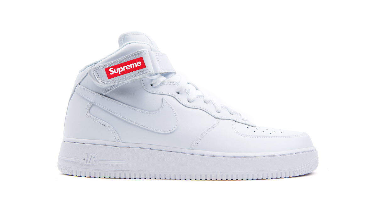 new product 542b9 25006 First Look at the Supreme Nike Air Force 1 Mid