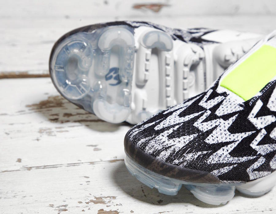 finest selection afac3 75876 UPDATE Nike releases official photos of the ACRONYM x Nike VaporMax Moc 2