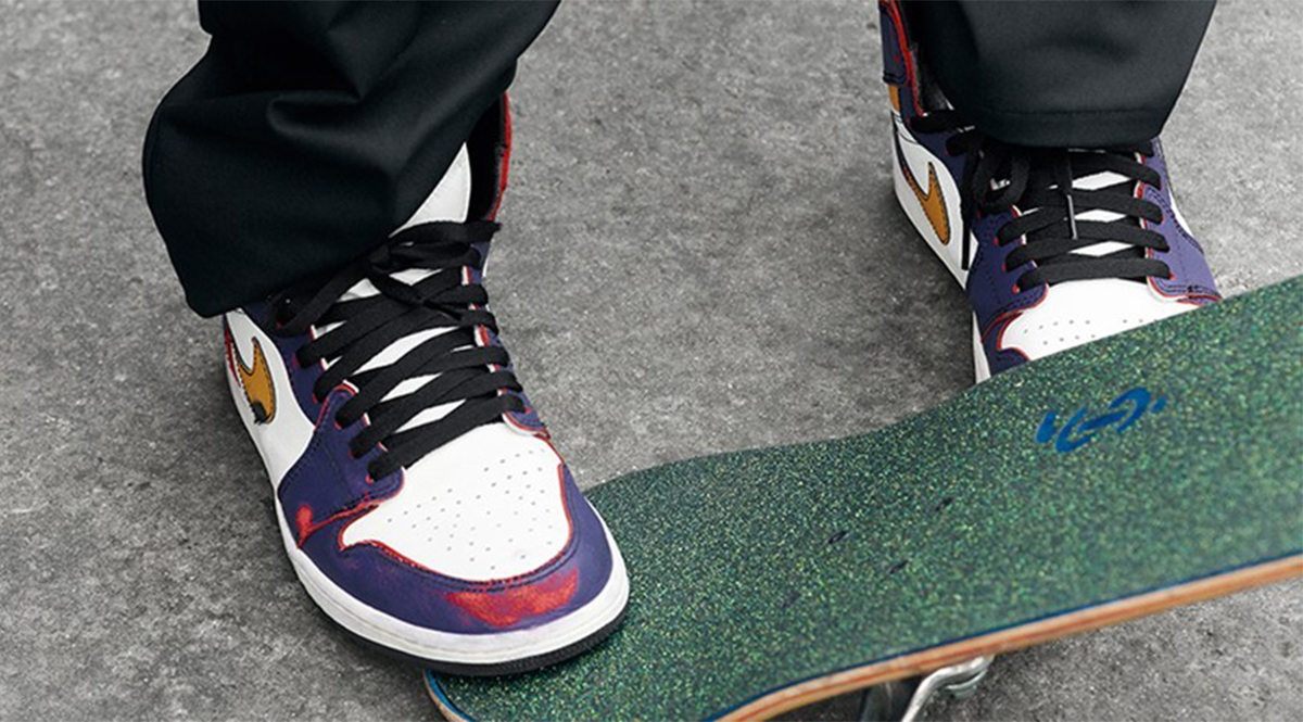 """buy popular d1d07 8be09 Nike SB and Jordan Brand unite for the release of two Nike SB Air Jordan  1s. The """"Light Bone"""" pair saw an early skateboard shop release a couple  weeks back, ..."""